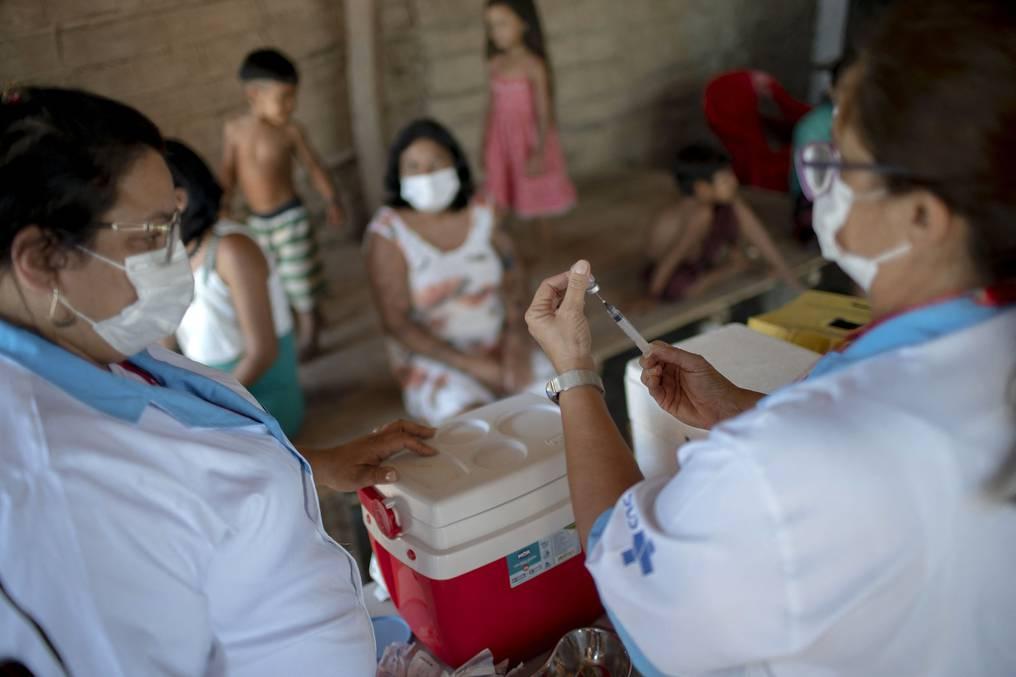 El jefe de la OMS, Tedros Adhanom Ghebreyesus, volvió a pedir una distribución justa de las vacunas anticovid y lamentó lo poco que se ha hecho hasta ahora para evitar la desigualdad. (foto: AFP)