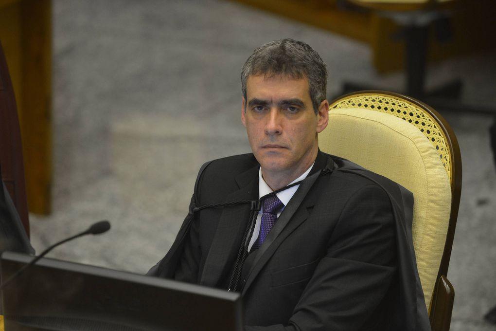 Juez brasileño anula orden de captura contra Cartes