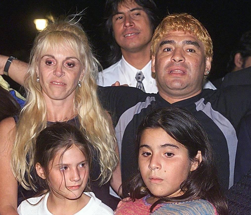 La Nacion La Turbulenta Vida Afectiva De Maradona