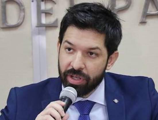Osmar Legal, agente fiscal asignado a la Unidad Especializada en Delitos Económicos.