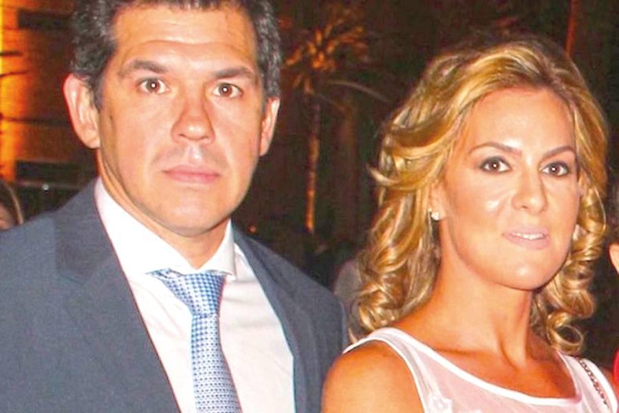 Miguel Zaldívar, representante legal de Mercurio SA, junto a Natalia Zuccolillo, directora de Abc Color.