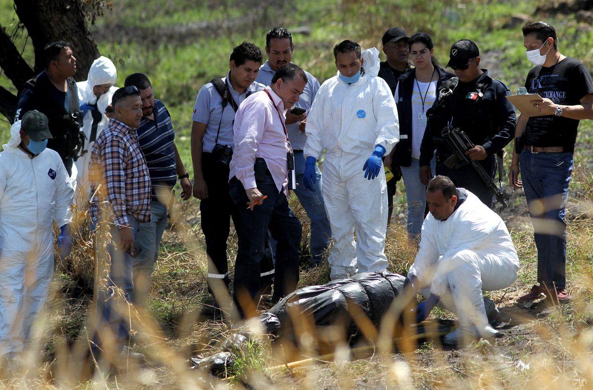 Localizan 19 cadáveres cercenados en bolsas negras, en Ixtlahuacán Jalisco