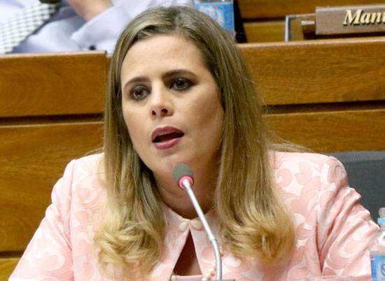 Kattya González.
