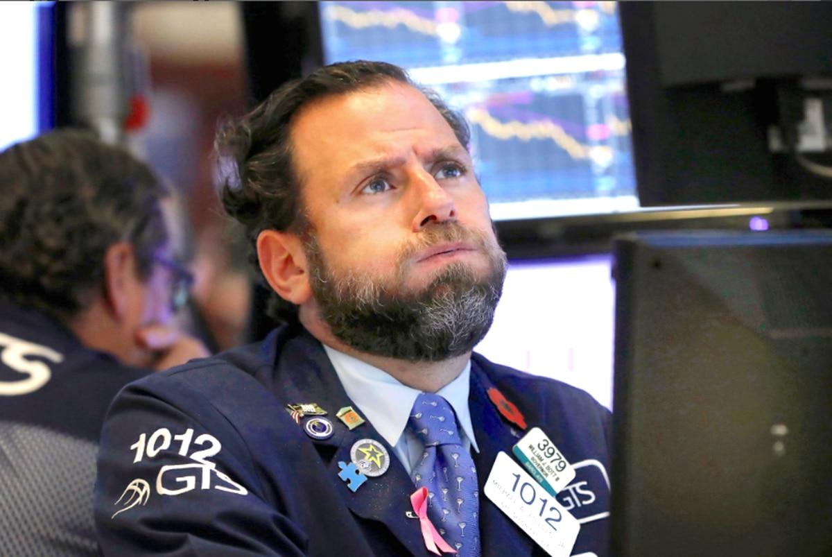Wall Street anota pérdidas por posible aumento de tasas en EE.UU