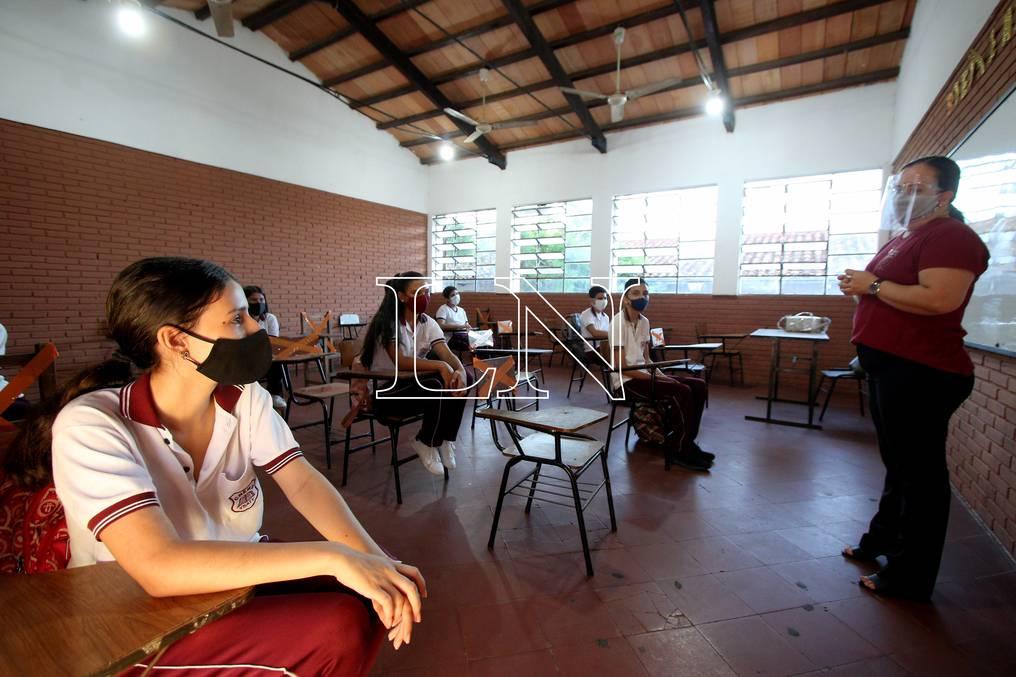 Docentes y alumnos del pueblo paraguayo retornará a clases este 30 de agosto de manera gradual