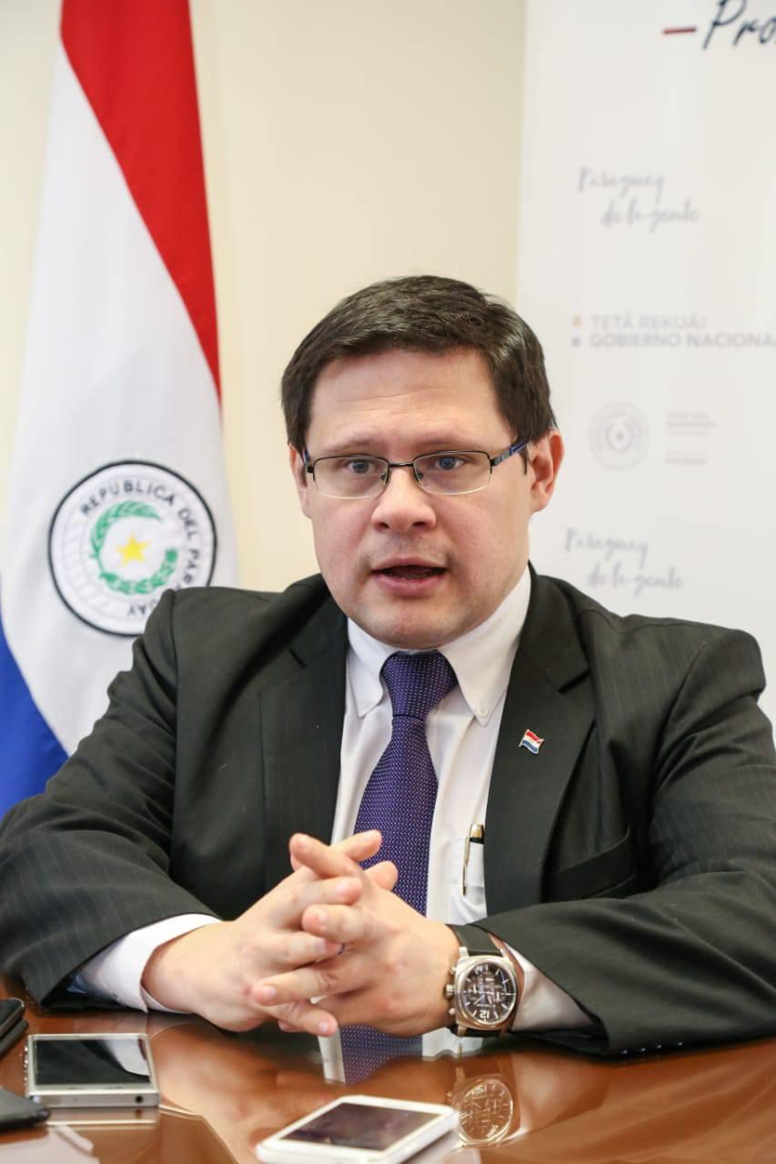 El viceministro de Tributación, Oscar Orué comentó que la recaudación total del año asciende a 12,9 billones de guaraníes. Foto: Archivo.