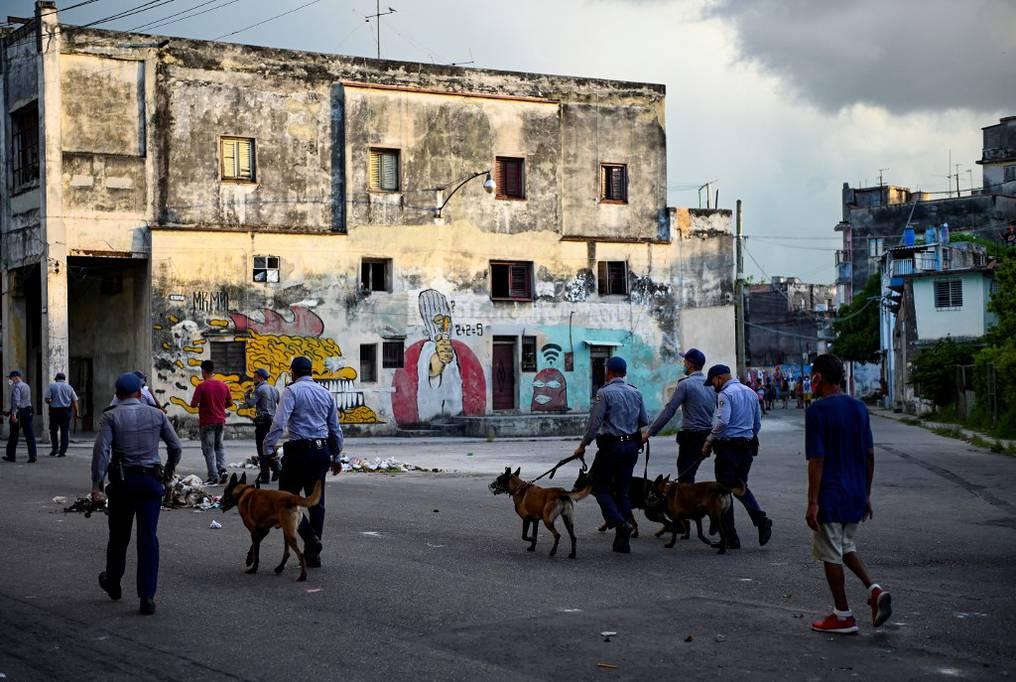 Miguel Díaz-Canel aseguró que las protestas fueron preparadas desde los Estados Unidos y llamó a todos sus partidarios a salir a las calles. Foto: AFP.