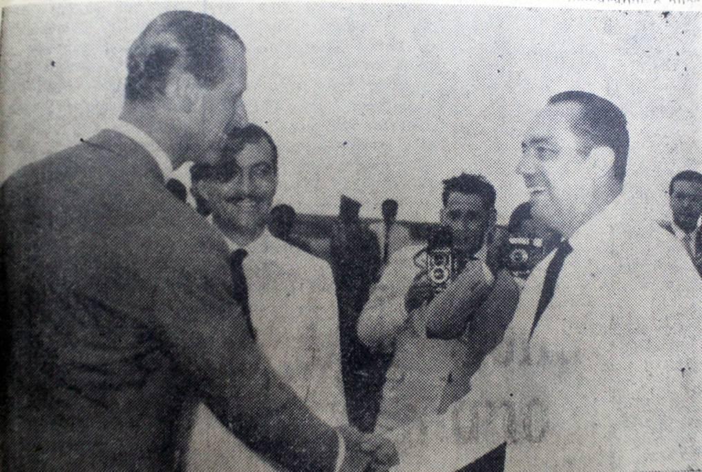 El 9 de marzo de 1962, como parte de una gira que realizó por varios países de la región, el esposo de la reina Isabel II de Inglaterra pisaba tierra paraguaya, siendo recibido por el entonces canciller nacional Raúl Sapena Pastor. (DIARIO LA TRIBUNA-BIBLIOTECA NACIONAL)