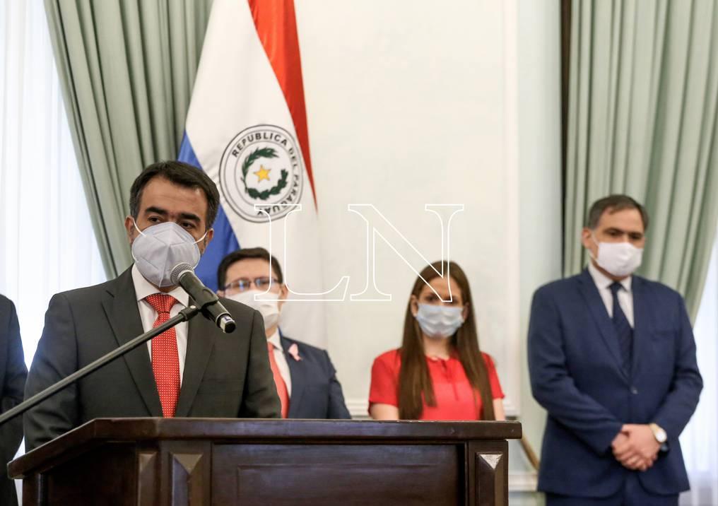 Autoridades del Ministerio de Hacienda. Foto: Archivo.