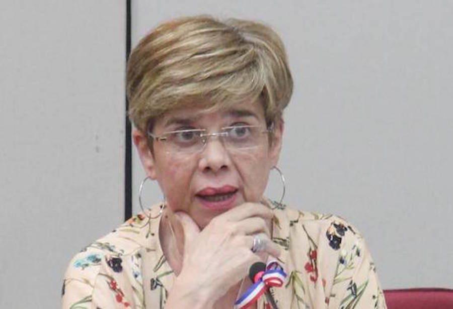 La senadora Desirée Masi.