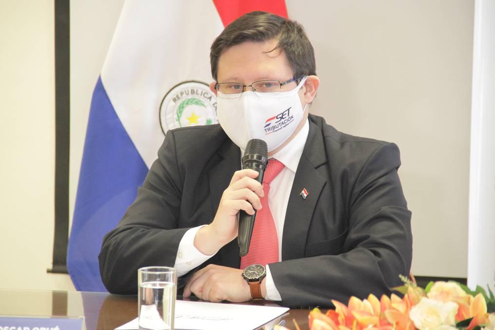 Óscar Orué, viceministro de Tributación, comentó que muchas personas que perdieron el empleo se animaron a montar sus propias empresas. Foto: Archivo.
