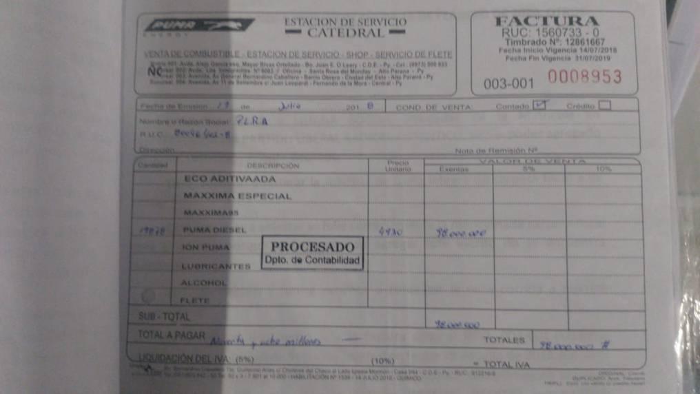 Aquí se observa la factura clonada a nombre del PLRA, por valor de G. 98.000.000, presuntamente en compra de combustibles. Sin embargo, el propietario de la estación lo niega. Foto: Gentileza.