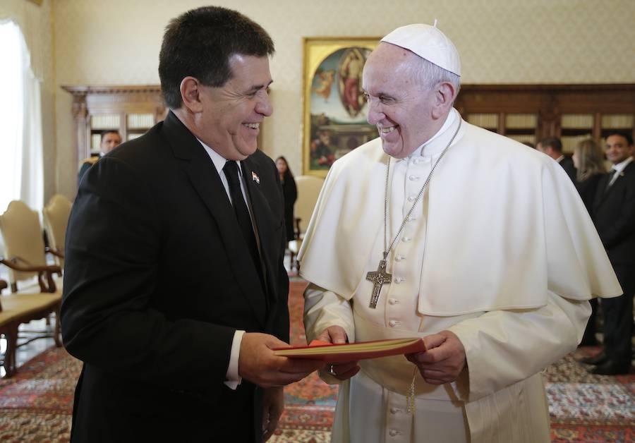 El papa Francisco recibió en el Vaticano, en varias oportunidades, al ex presidente de la República Horacio Cartes.