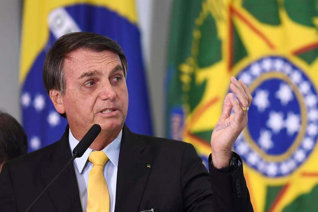 Hay rumores sobre desacuerdo de militares con actitud negacionista del presidente. (foto: AFP)
