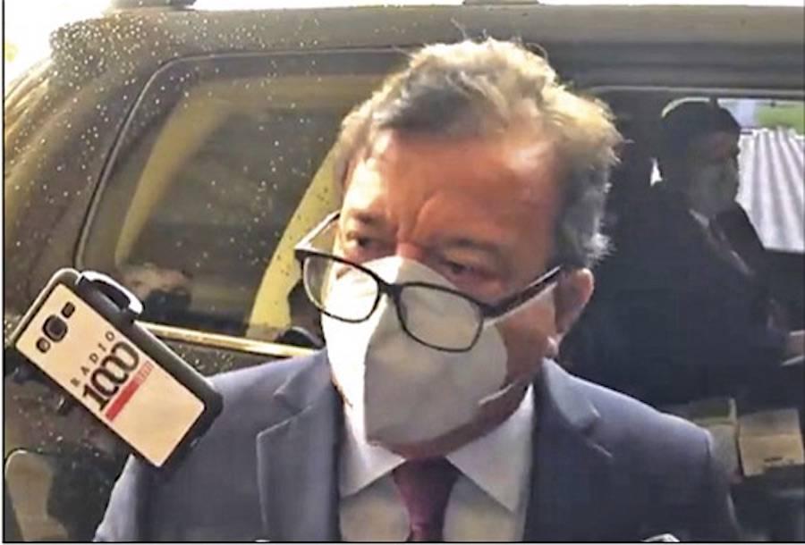 Nicanor Duarte Frutos, titular de la EBY, a la salida del Palacio ayer.