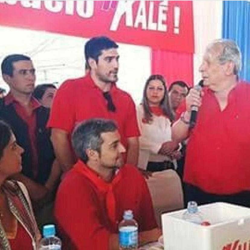 El senador Calé Galaverna le presentó políticamente tras haber ganado en su seccional por su movimiento Compañeros Colorados. Foto: Archivo.