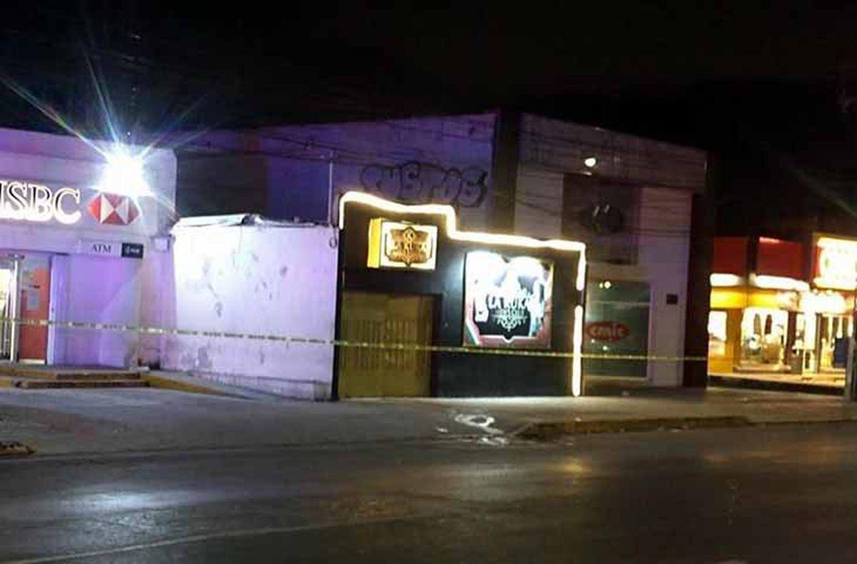 Ataque armado en bar de Cancún deja 5 muertos