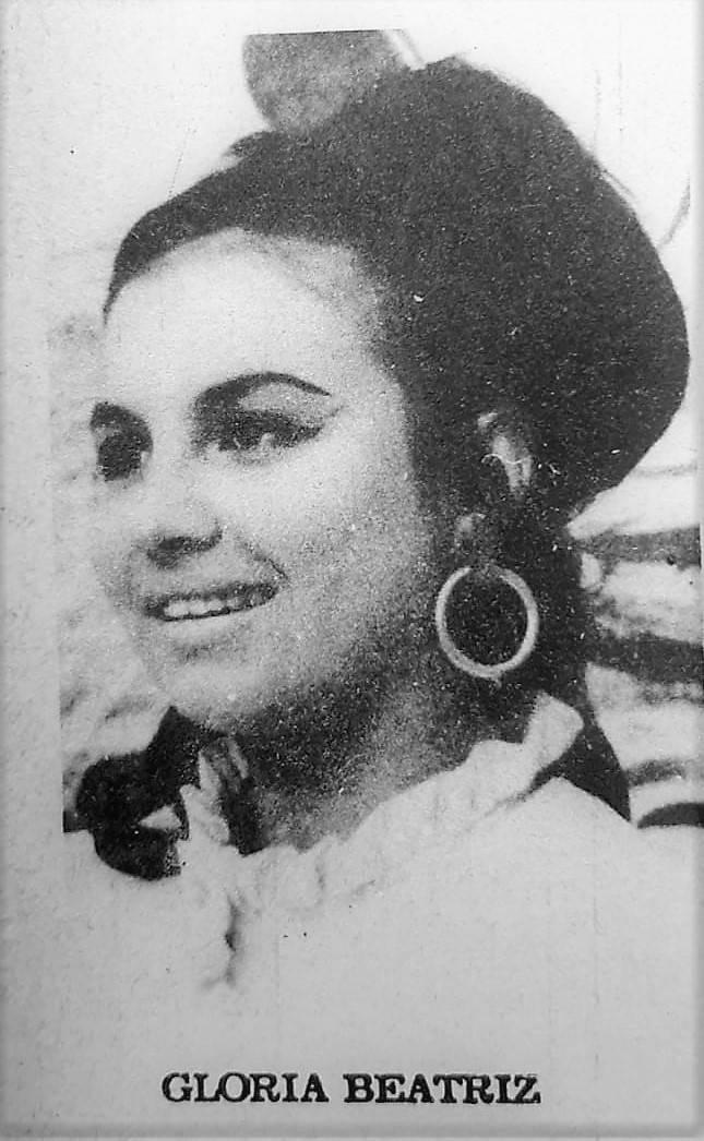 """Gloria Beatriz Godoy, en los años 70, en los estudios de canal 9, antes del inicio de su programa """"Gente"""".  (foto: REVISTA ÑANDE)"""