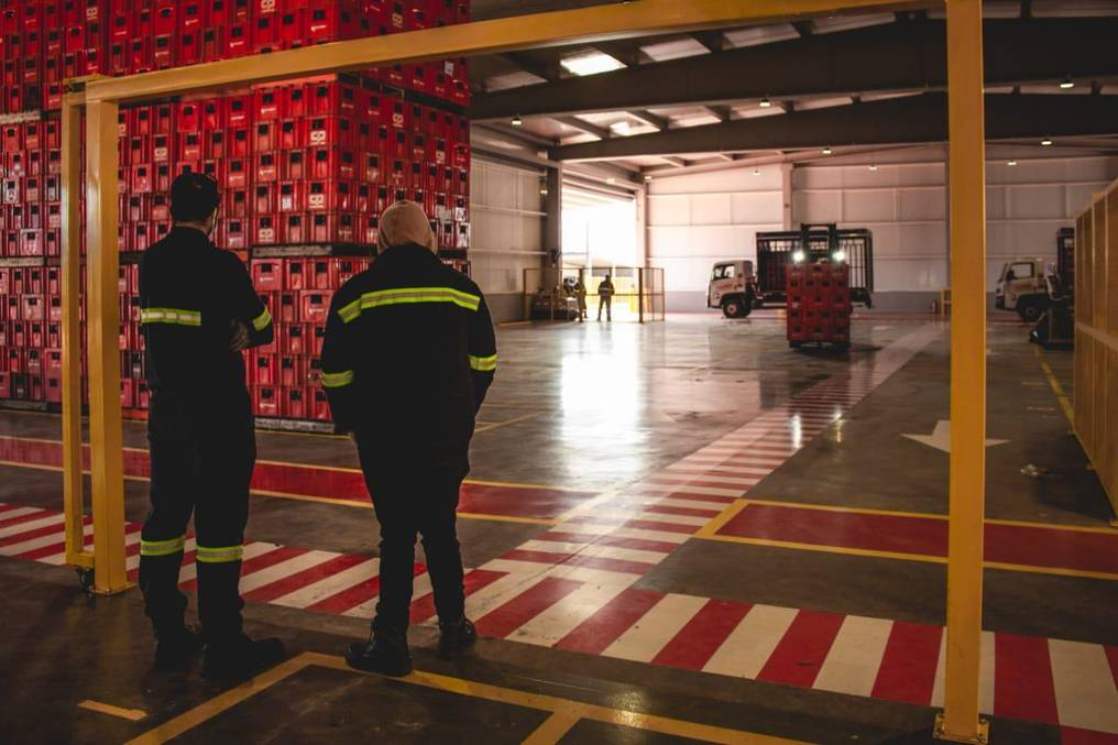 La nueva planta de distribución incorpora sistemas modernos que agilizan la carga y descarga de camiones. Foto: Gentileza