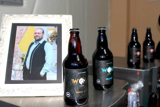 Wilson Tonelli, inesperadamente falleció el año pasado pero su legado, la cerveza artesanal Wolfs, sigue produciéndose bajo el comando de su esposa, Andrea.FOTO:GENTILEZA